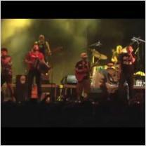 """Embedded thumbnail for Fermin Muguruza & Manu Chao La Ventura - """"Sarri, Sarri"""" - Esperanzah! Festival 2015"""