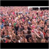 Embedded thumbnail for La Pegatina @ Pinkpop 2013 (full concert)